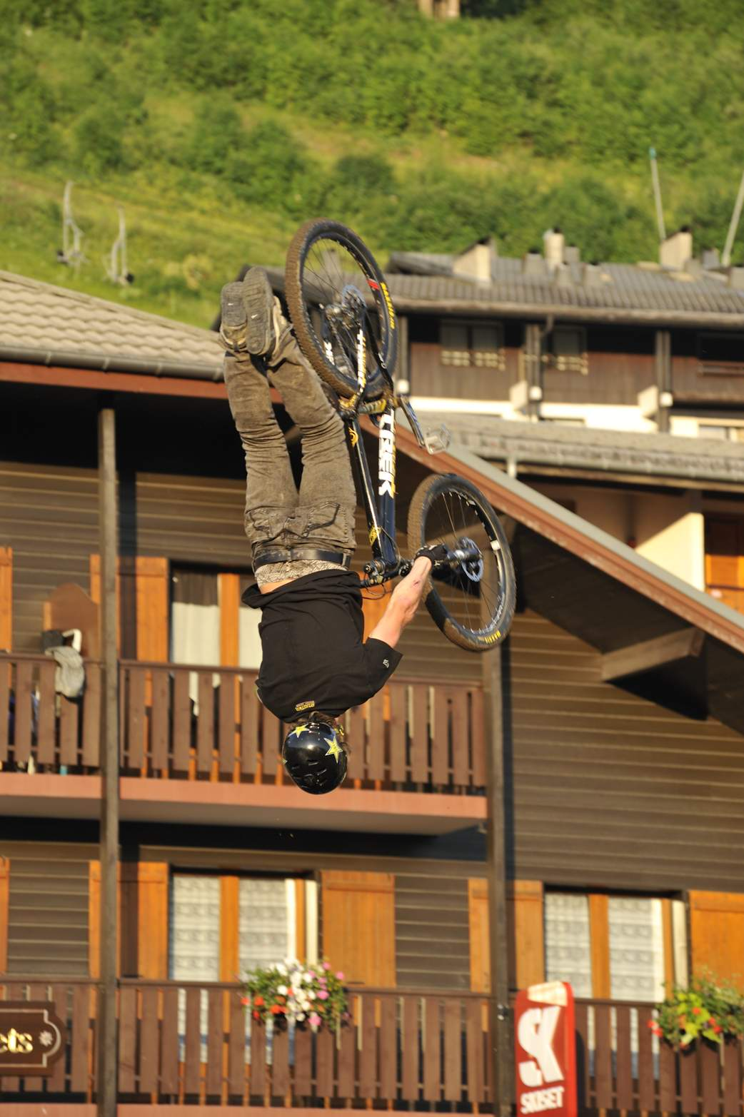 ./home/chatel-mountain-style-2010-dirt/mountain-style-2010-09.jpg en licence Creative Commons
